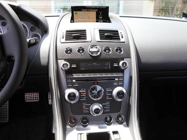 2014 ASton Martin db9 coupe Dashboard